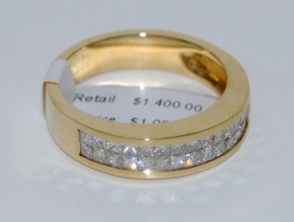 Unisex 14K Yellow Gold Diamond Ring